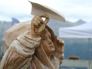 15 marco nones sculpture primo piano p 300x226 Lartista di Cavalese Marco Nones vince il Simposio di scultura di Thyon