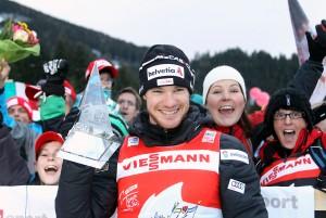 Dario Cologna Campione per la terza volta del Tour de Ski foto Newspower 300x201 Val di Fiemme   Tour de Ski 2012, GIRO GIRO FONDO...