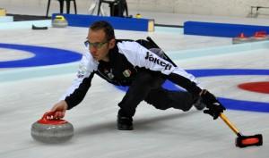 curling cavalese 1 300x177 Cavalese, tutti pazzi per il curling   Dal 21 al 29 aprile Finali del Campionato Italiano Assoluto