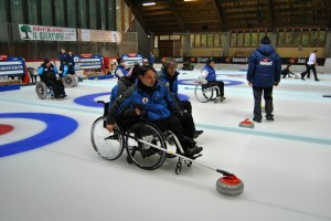 curling cavalese 3 300x200 Cavalese, tutti pazzi per il curling   Dal 21 al 29 aprile Finali del Campionato Italiano Assoluto
