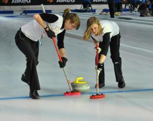 curling femminile 4 300x238 Cavalese, tutti pazzi per il curling   Dal 21 al 29 aprile Finali del Campionato Italiano Assoluto