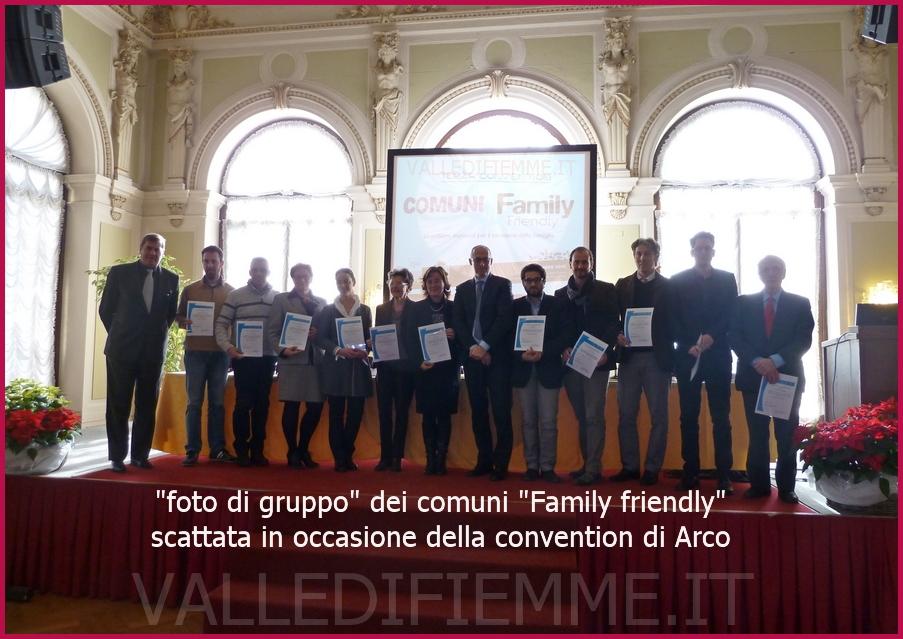 GRUPPO FAMILY ARCO 2012 valle di fiemme Il marchio Comune amico della Famiglia a Cavalese e Varena