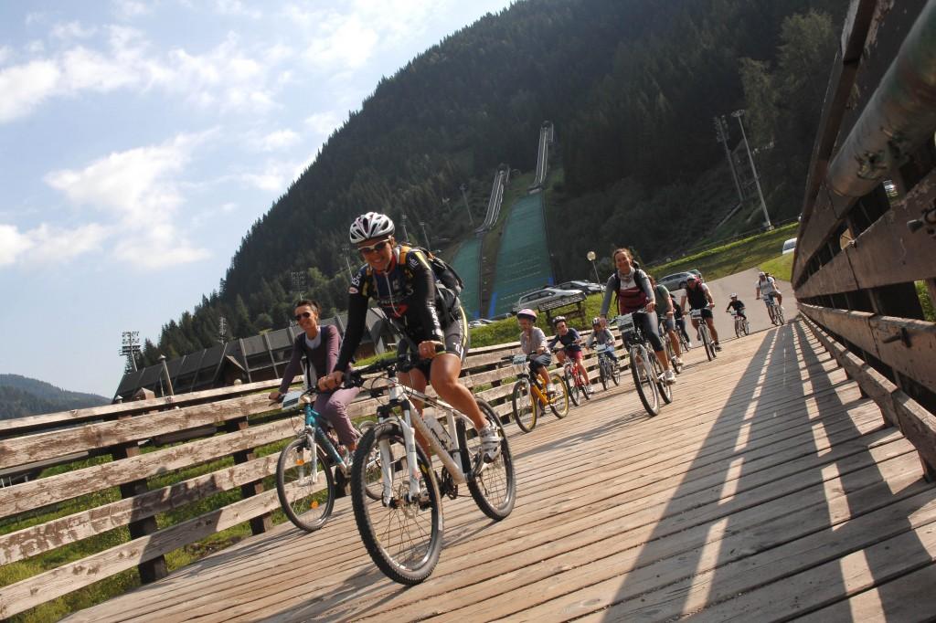 ciclabile fiemme foto orler 1024x682 BIKE 2014: in Val di Fiemme otto eventi a due ruote, salite dolomitiche, tour ed escursioni in e bike