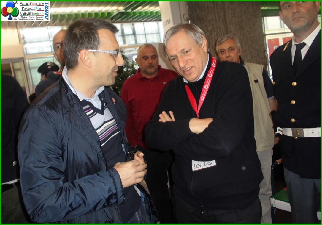 """don ciotti  e malfer """"TU COSA CI METTI ?"""" scuola e volontariato con don Luigi Ciotti"""