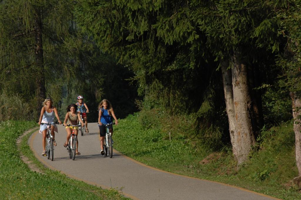 fiemme 4 bici foto orlerimages 1024x680 BIKE 2014: in Val di Fiemme otto eventi a due ruote, salite dolomitiche, tour ed escursioni in e bike