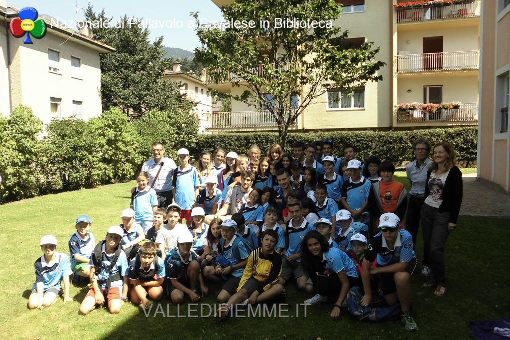 nazionale pallavolo a cavalese con i ragazzi english sport camp biblioteca2 Cavalese, in biblioteca con i campioni di pallavolo