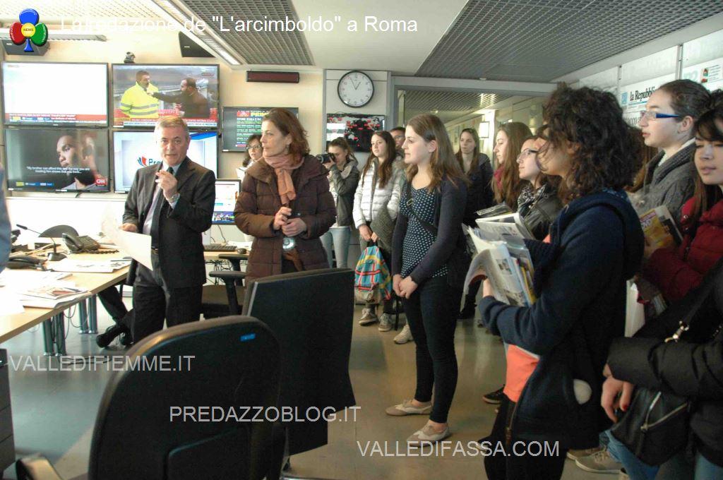 La partecipazione alla fase finale della prima riunione di redazione col direttore Ezio Mauro La redazione de Larcimboldo a Roma
