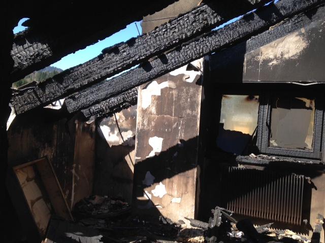 incendio Anna Divan 0510 Un incendio ha bruciato la mia casa..