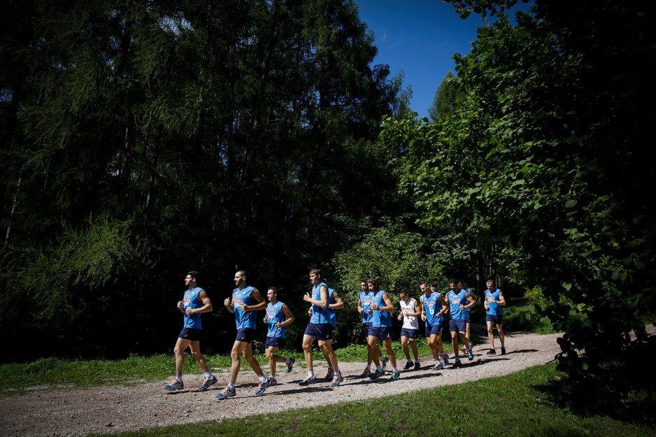 Gli azzurri del volley incontrano gli studenti in Val di Fiemme