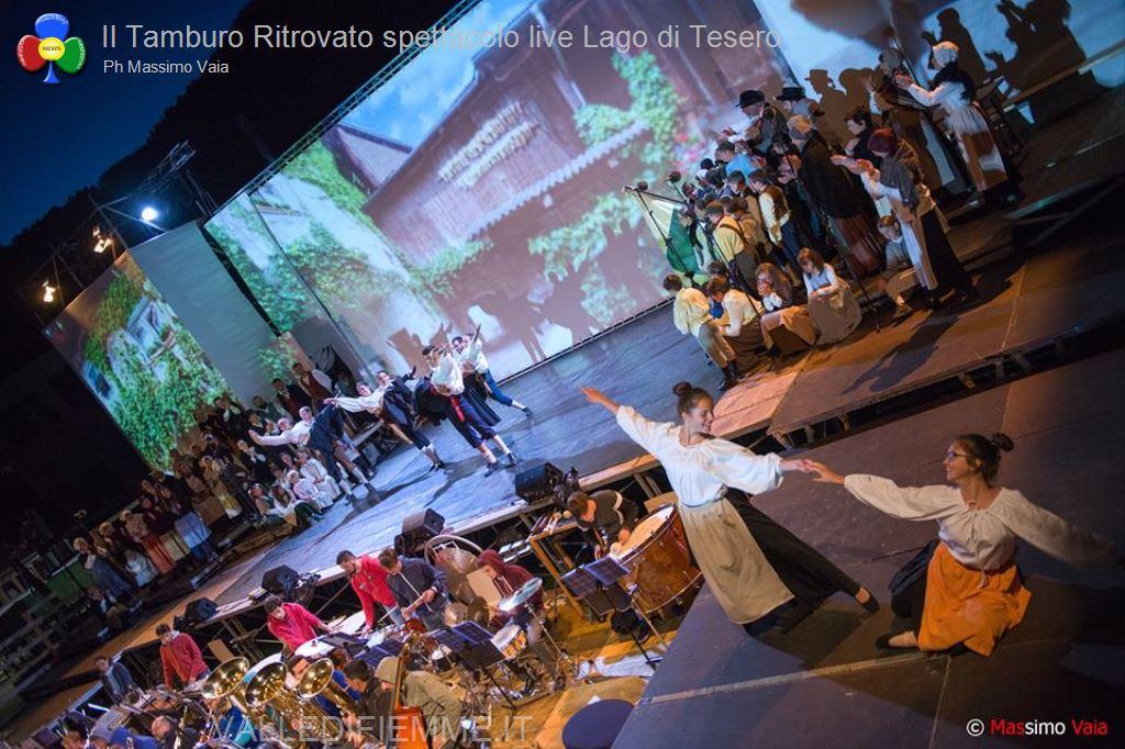 il tamburo ritrovato primo spettacolo live lago di tesero110 Il Tamburo Ritrovato tutto esaurito a Lago! Si replica