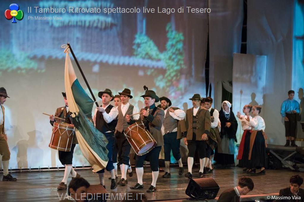 il tamburo ritrovato primo spettacolo live lago di tesero12 Il Tamburo Ritrovato tutto esaurito a Lago! Si replica