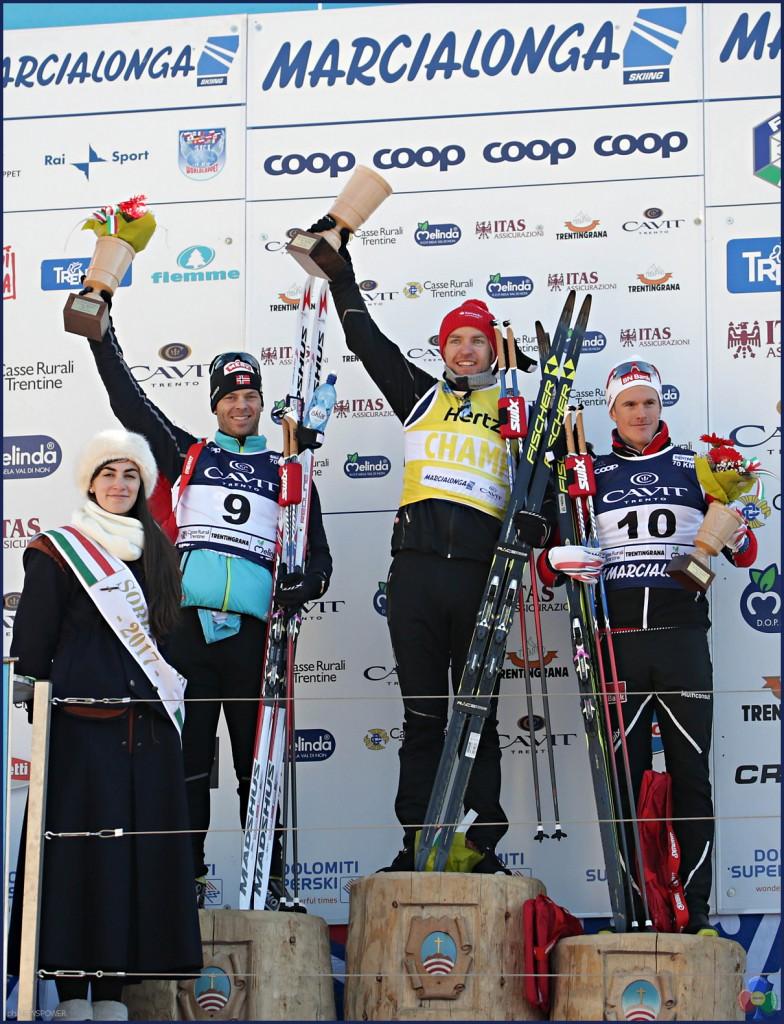 marcialonga 2017 podio maschile 784x1024 Marcialonga 2017 Gjerdalen cala il tris, 7541 concorrenti