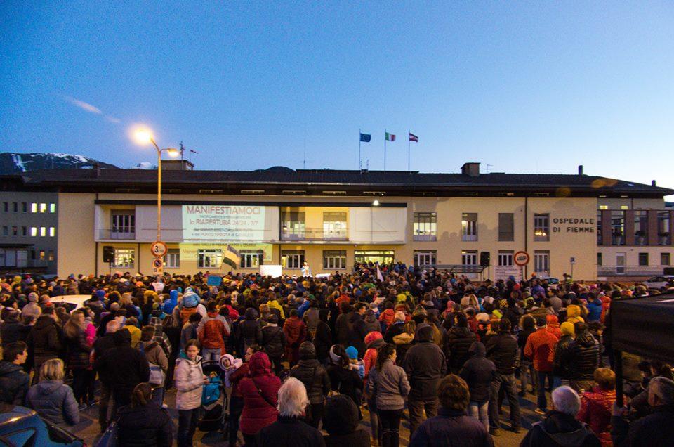 manifestiamoci cavalese 10 marzo 2017 predazzoblog2 Zeni e Bordon a Cavalese, la proposta risolutiva di Parto per Fiemme