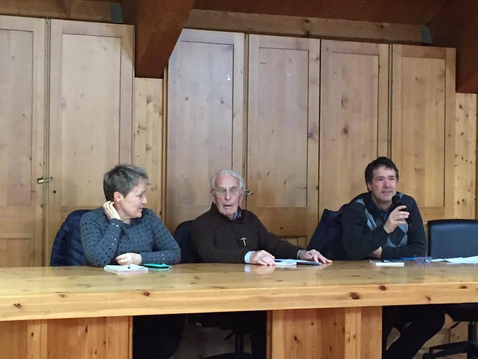 Serata Don Bepi Grosselli foto5 Don Bepi Grosselli a Tesero, ringrazia il paese e lascia il segno