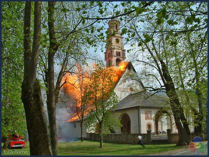 incendio pieve cavalese 29 aprile 2003  I cori parrocchiali di Fiemme uniti in un canto di Solidarietà