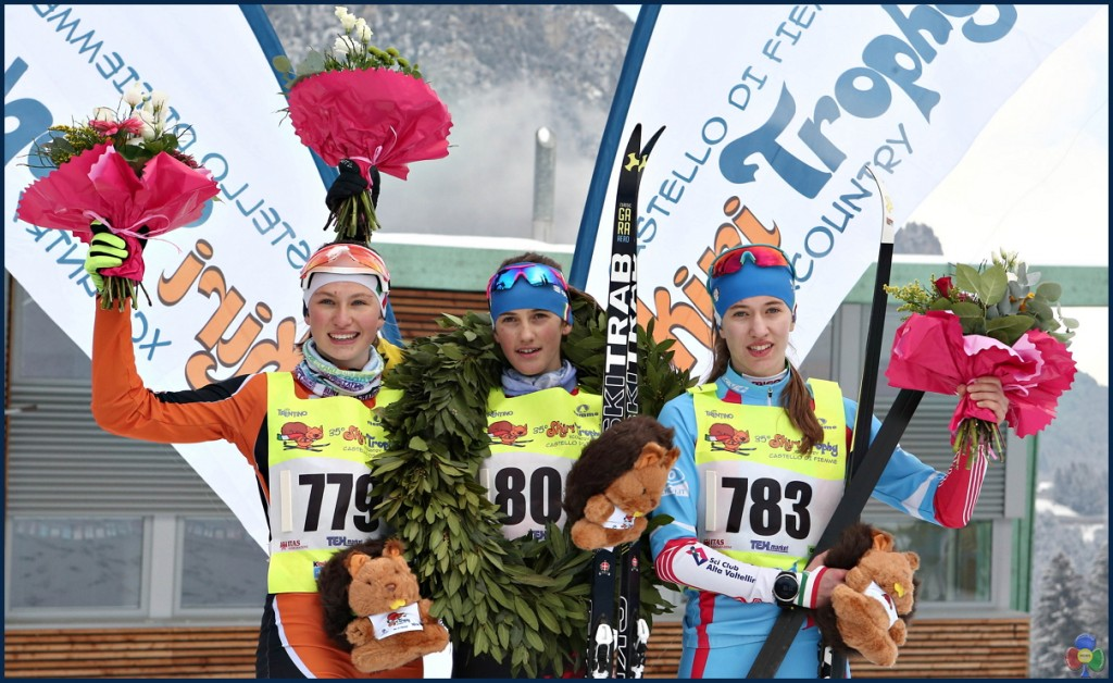 skiry trophy country fiemme 2018 podio femm 1024x628 Splendida 35.a edizione dello Skiri Trophy XCountry   Classifiche