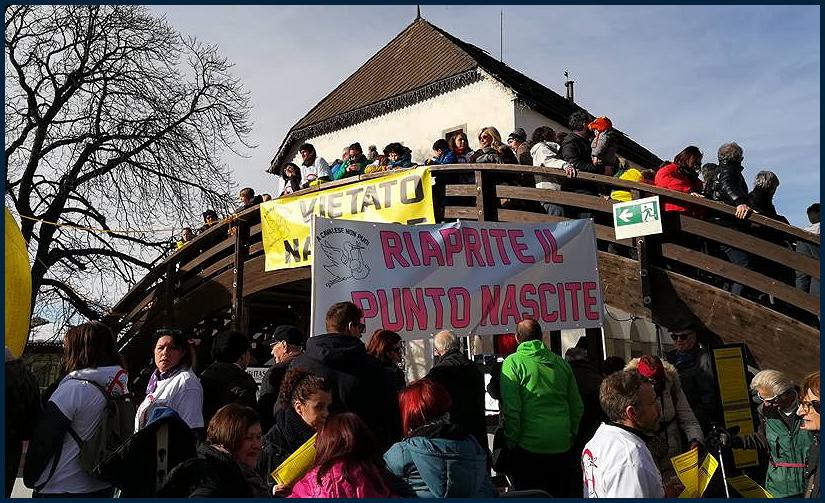 riaprite il punto nascite di fiemme2 Punto Nascite: Manifestazione di protesta sulla Statale 48 delle Dolomiti