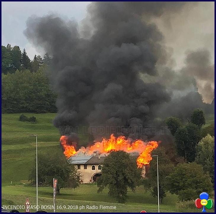 incendio maso bosin tesero radio fiemme Tesero, in fiamme il vecchio Maso Bosin