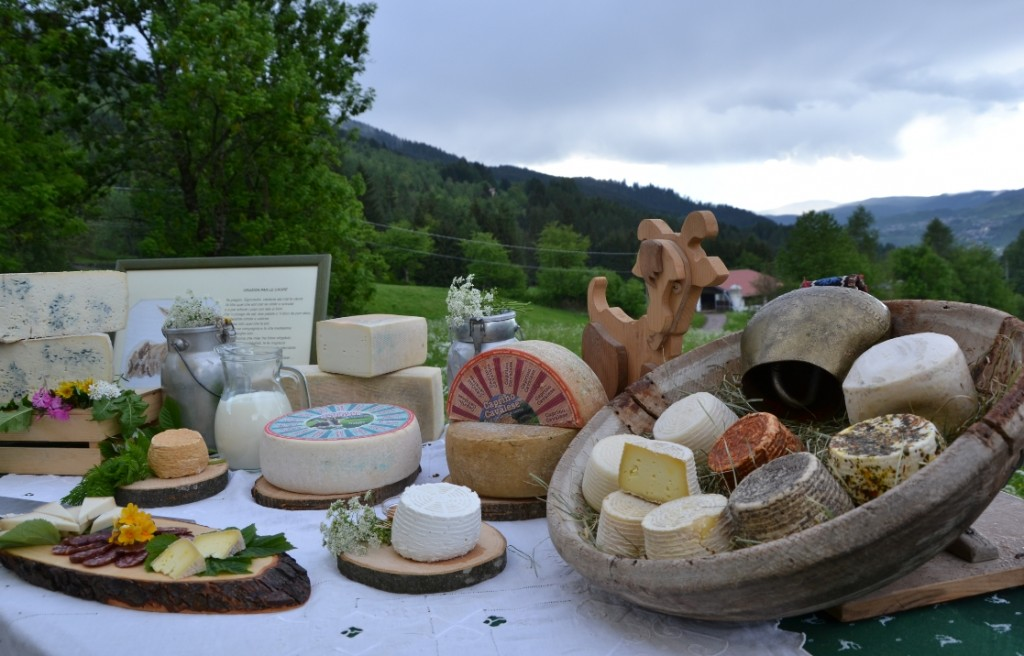 "formaggi fiemme desmontegada caore 1024x656 DESMONTEGADA DE LE CAORE – UN WEEKEND A TEMA ""CAPRA"" SENZA LA TRADIZIONALE SFILATA"